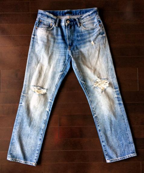 ユニクロのダメージジーンズ(ハード)1