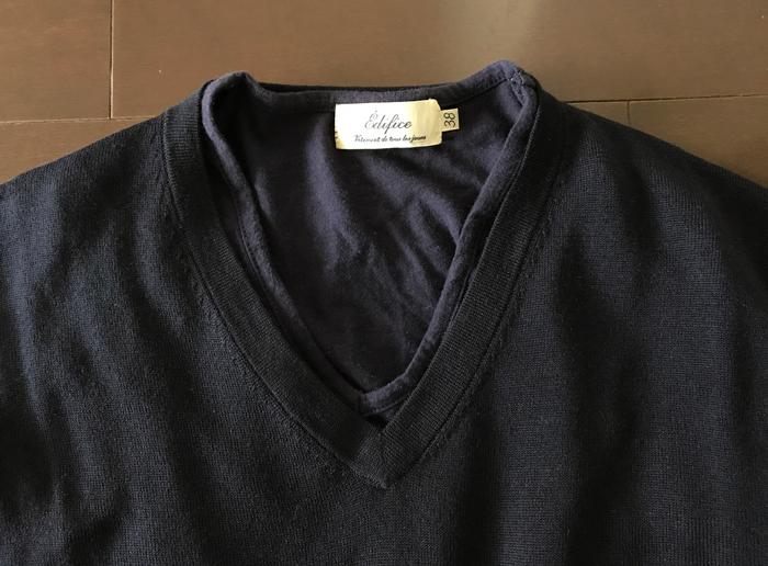 エクストラファインメリノとVネックのTシャツ