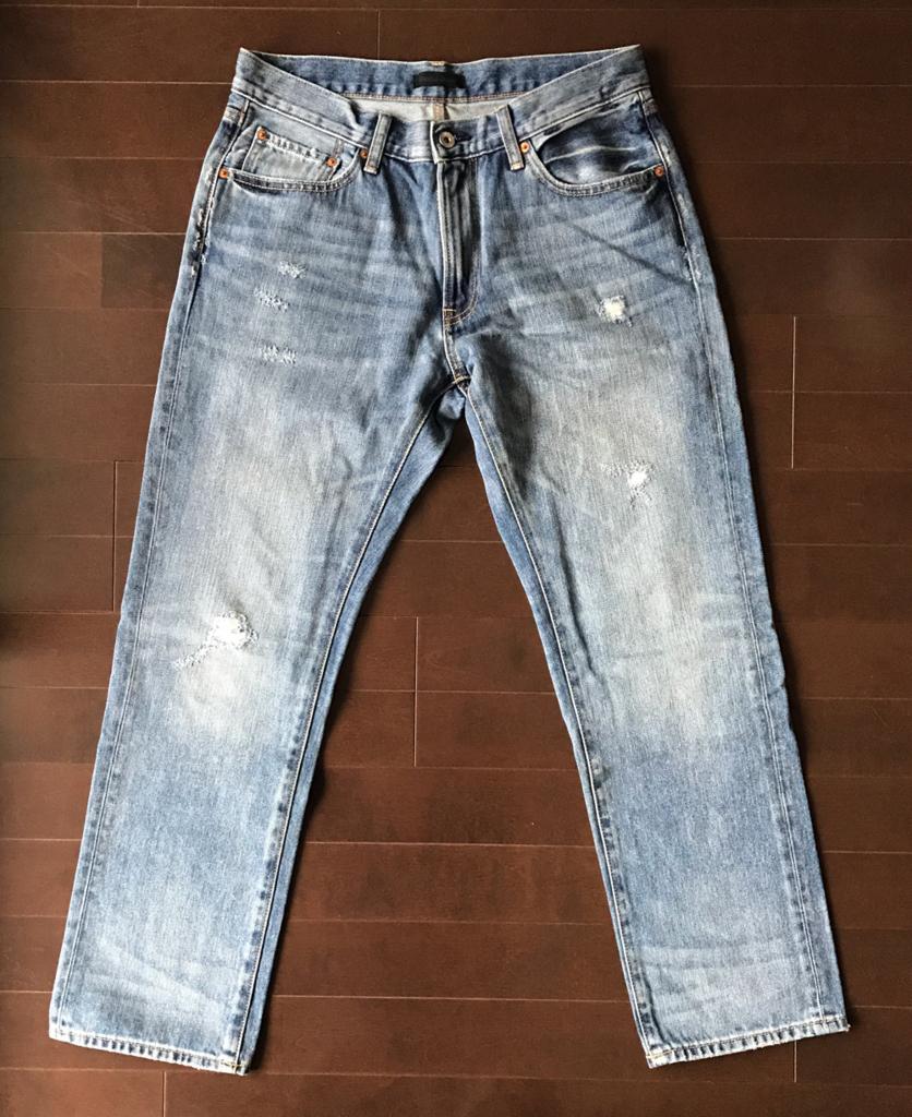ユニクロ レギュラーフィットダメージジーンズ(2016年モデル)