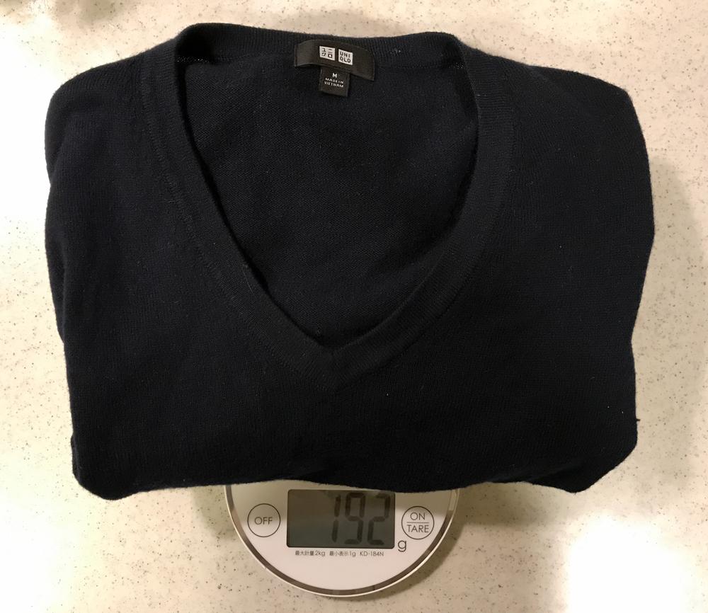 コットンカシミアセーターの重量