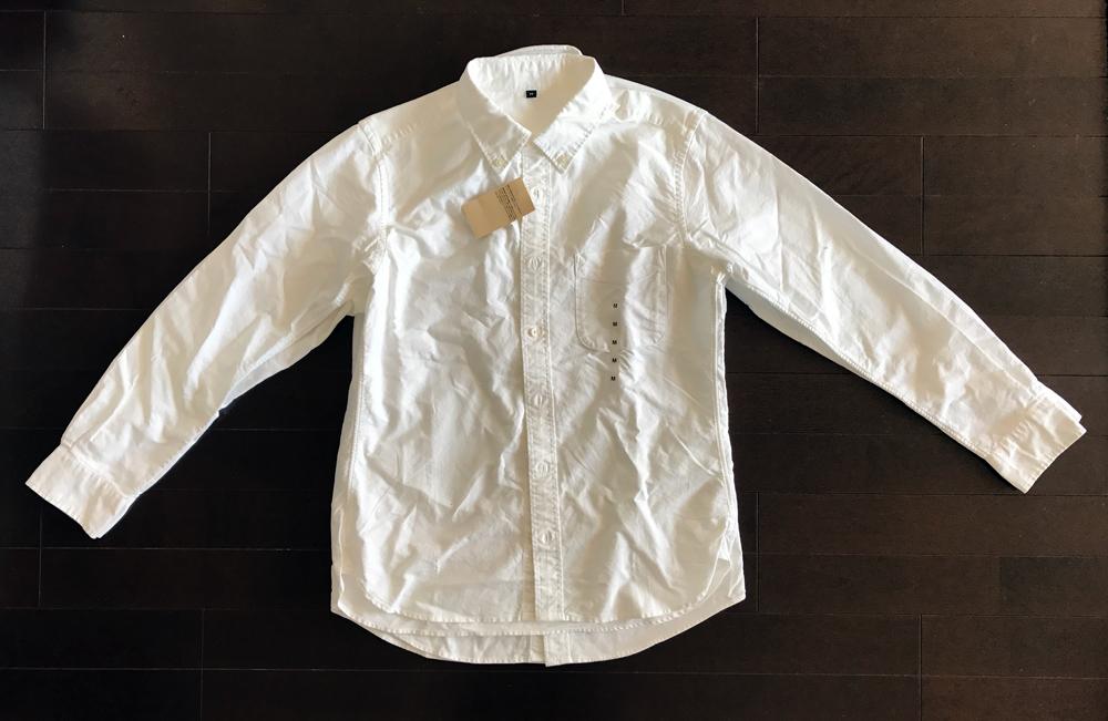ユニクロと無印良品のオックスフォードボタンダウン白シャツ スタイルの比較