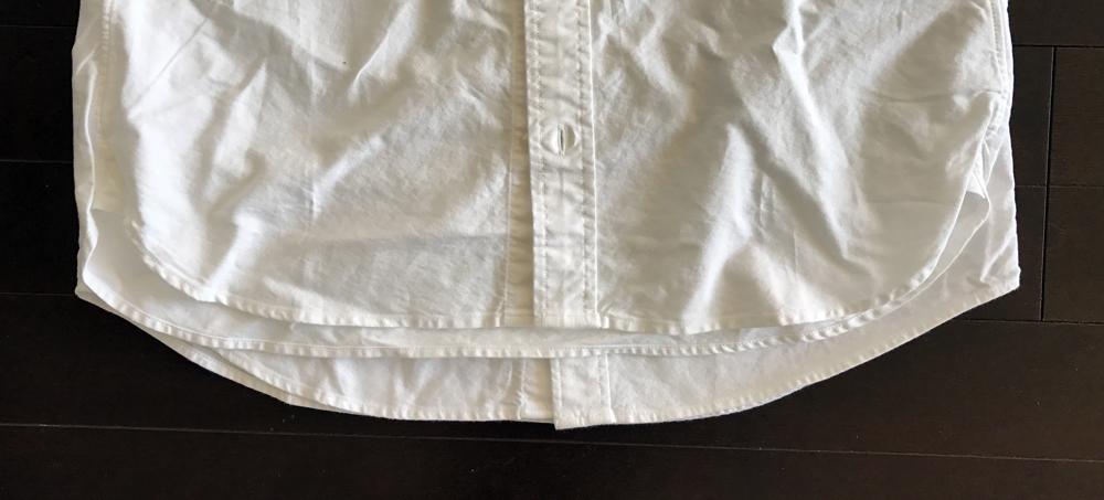 ユニクロと無印良品のオックスフォードボタンダウン白シャツ スタイルの比較 裾