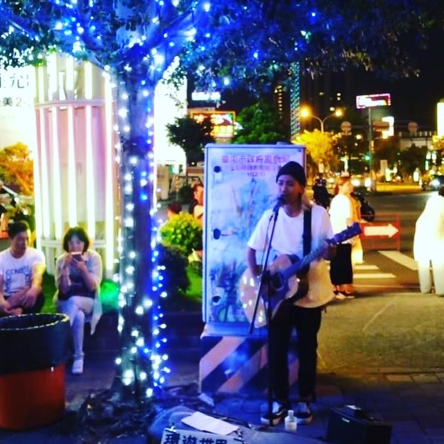 台湾でのストリートライブ