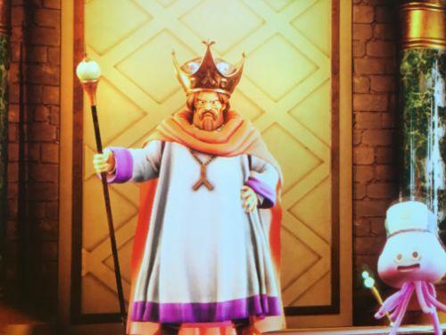 マザリア池袋 ドラクエの王様スクリーン表示