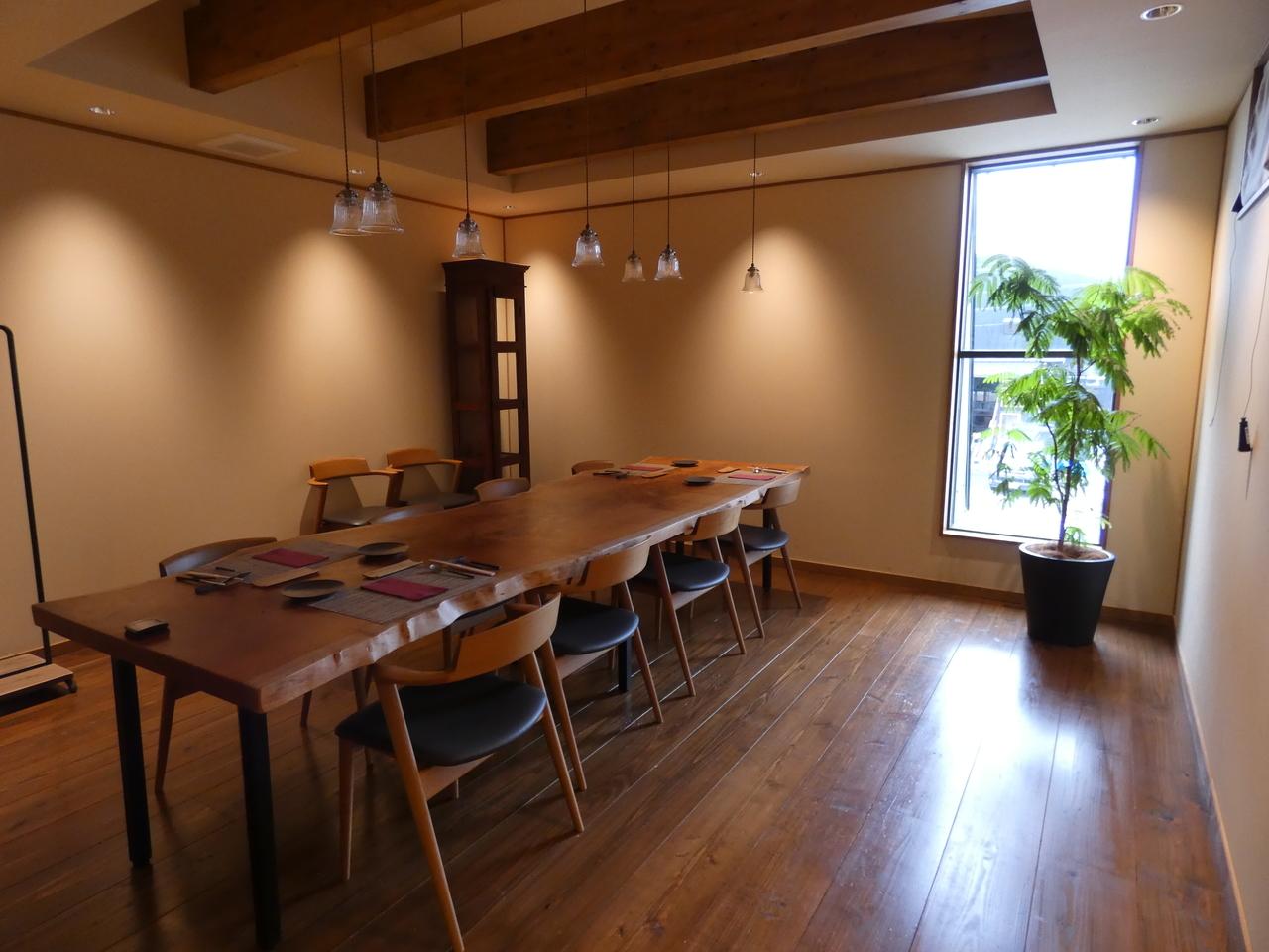 千年Olive 店内 2階個室
