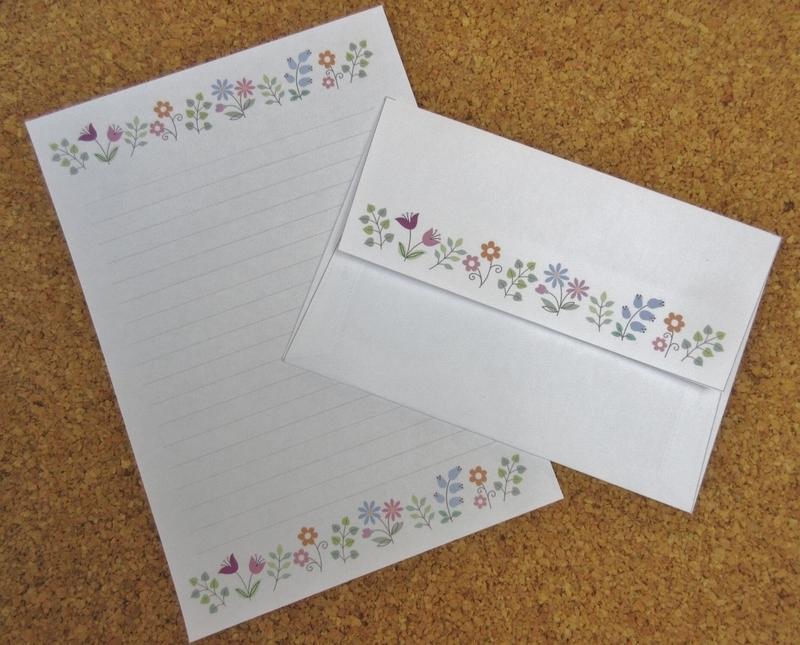 花模様の便せんと封筒