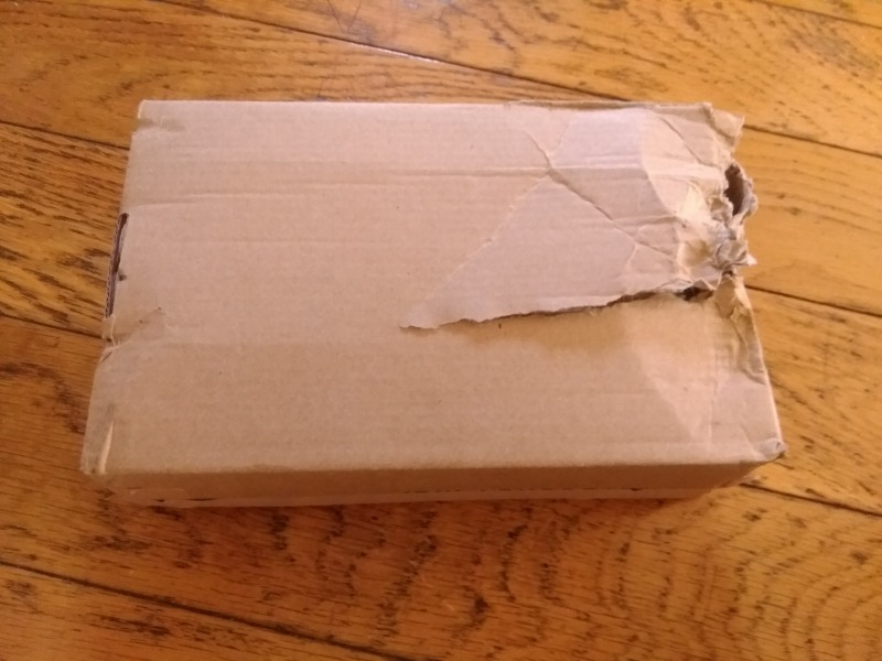 配送トラブル、外箱が破れた写真2