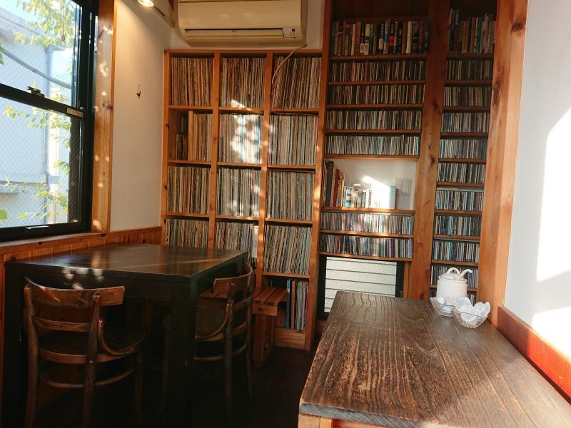森のカフェ 中二階フロア2