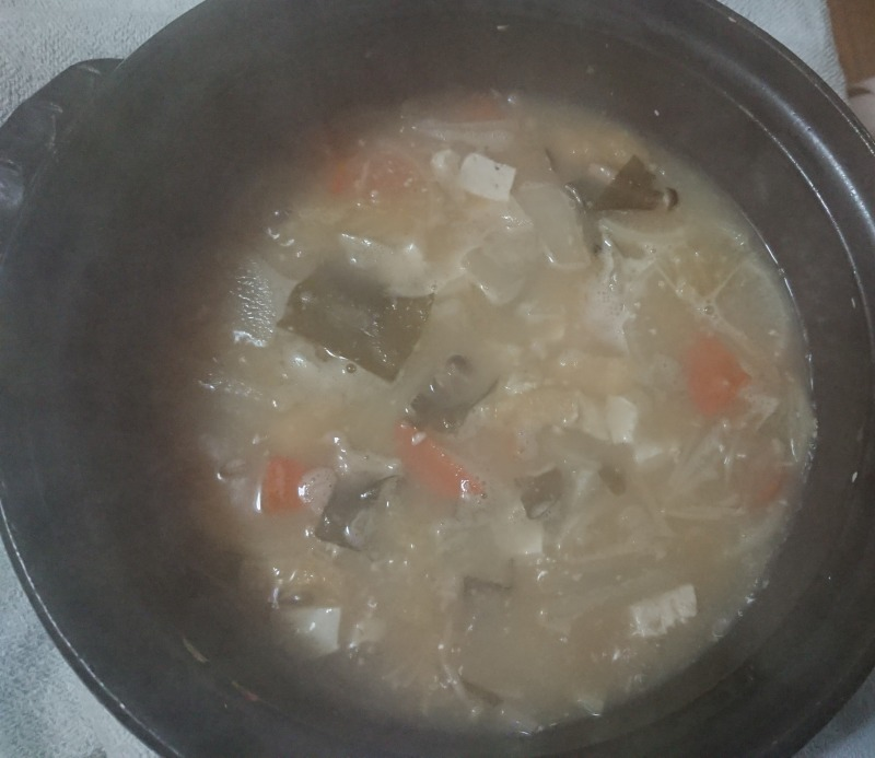 土鍋で作った豚汁