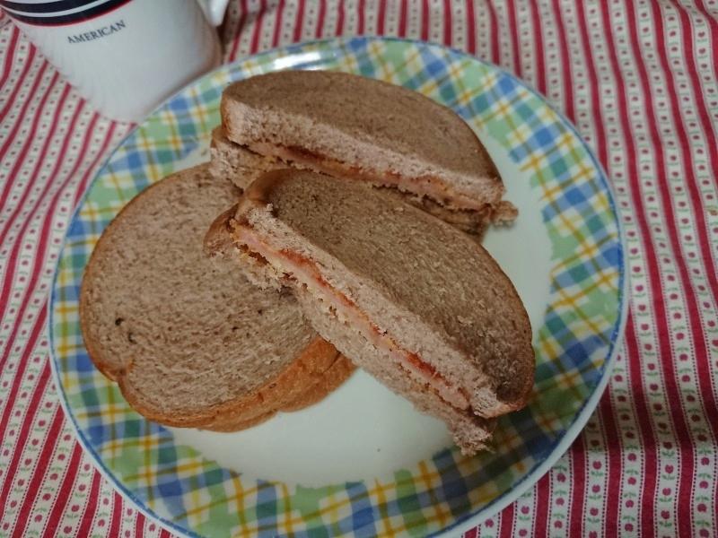 サンドウィッチの断面