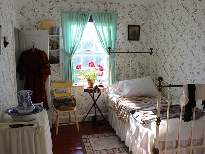 アンの寝室とふくらんだ袖