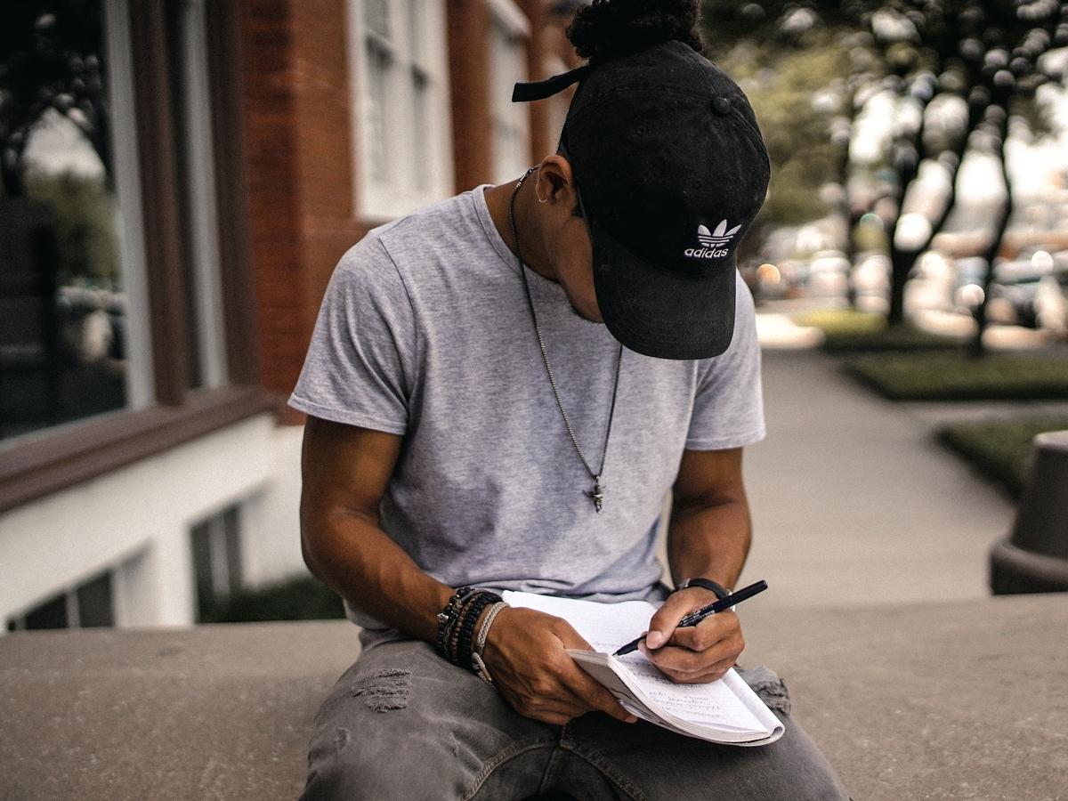紙に書くこと
