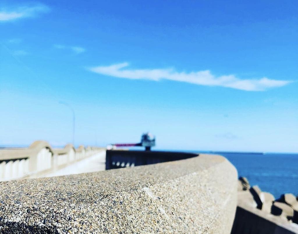 オホーツクタワーは港からかなり沖に飛び出ています