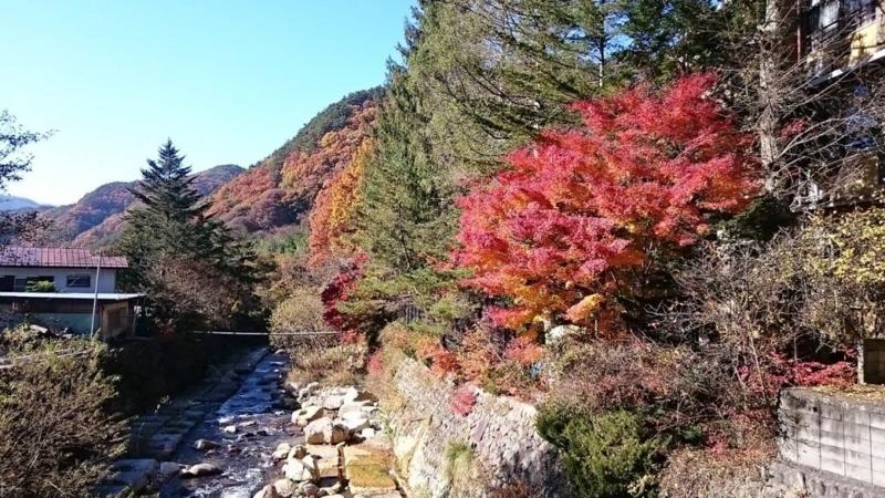増富温泉も紅葉がきれいな時期