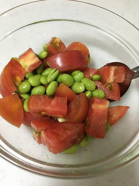 トマトとむき枝豆の副菜