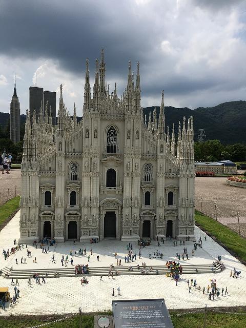 ミラノ大聖堂(イタリア ミラノ)
