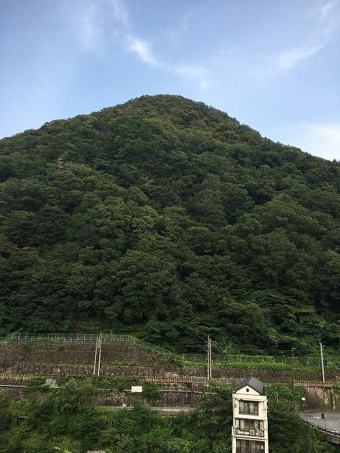 部屋からの景色(山)