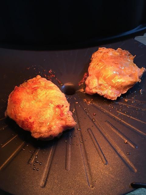 鶏もも肉が焼けたところ