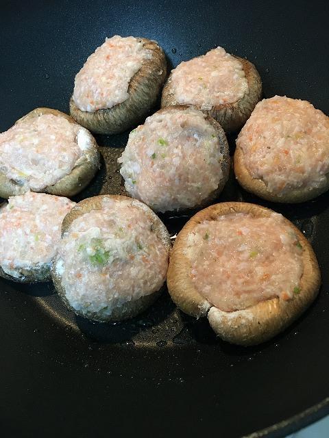 椎茸の肉詰め作り方1
