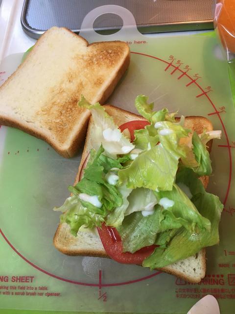 トマトのホットサンドイッチ2