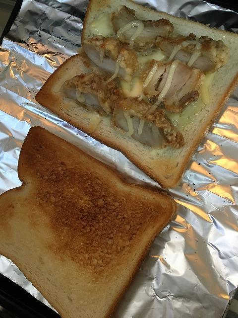 余った唐揚げでホットサンドイッチ1