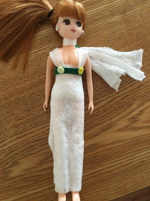 おしりふきで作ったりかちゃん人形の洋服1