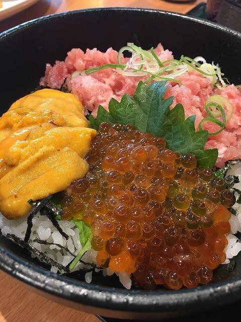 ココス・海鮮三種丼