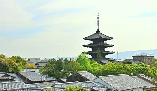 高台寺より見える八坂の塔