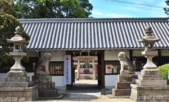 錦織神社の拝殿