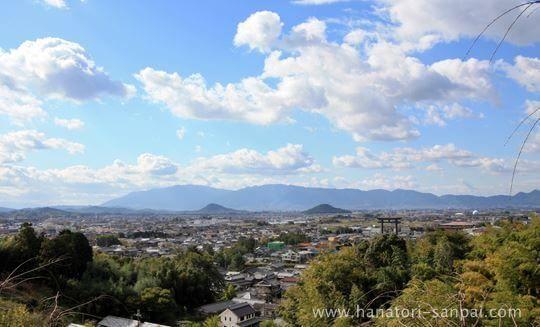 大神神社の大鳥居と大和三山