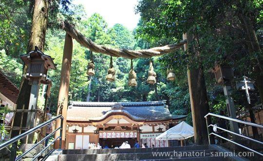狭井神社の鳥居