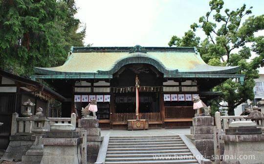茨木神社の本殿