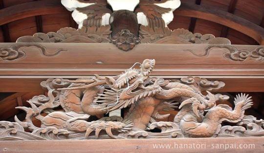 野見神社境内の永井神社の彫刻