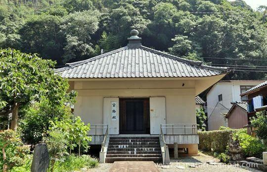 佛谷寺の宝物殿