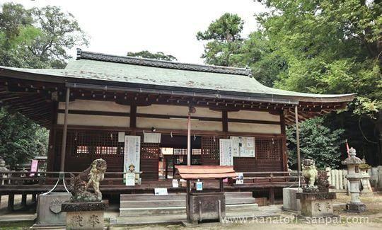 村屋神社の拝殿
