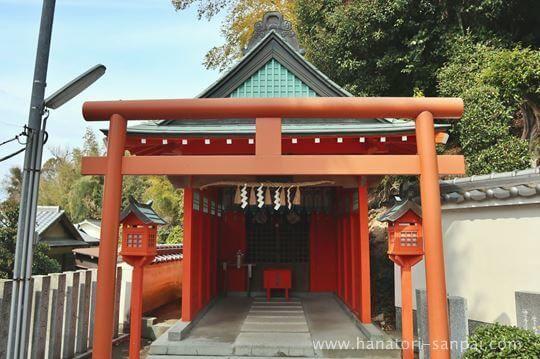 狭山神社の境内にある稲荷神社