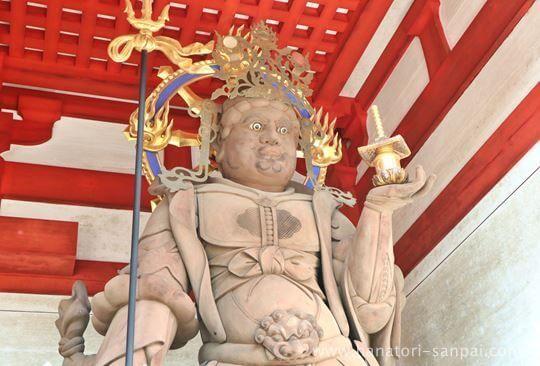 高野山壇上伽藍中門の四天王