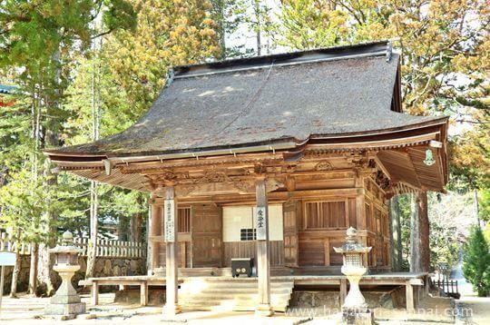 高野山壇上伽藍の愛染堂