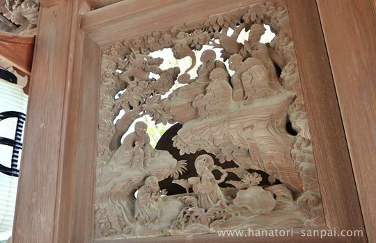 高野山恵光院の門の彫刻
