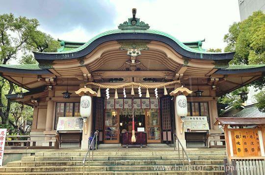 坐摩神社の社殿