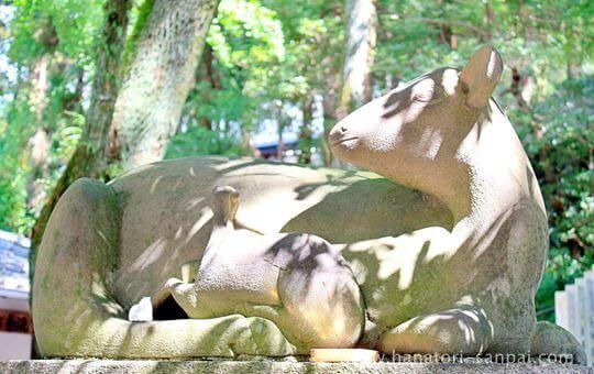 枚岡神社狛鹿のなで鹿