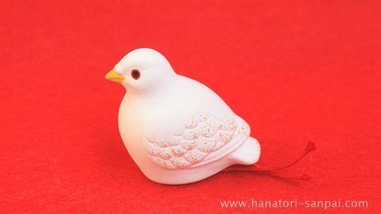 京都の三宅八幡宮の鳩のおみくじ
