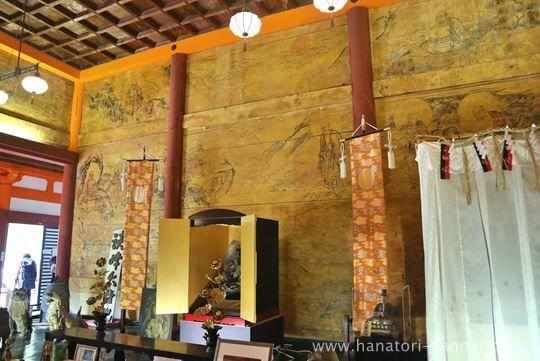 談山神社の神廟拝所内部