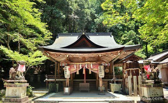 等彌神社の上津尾社