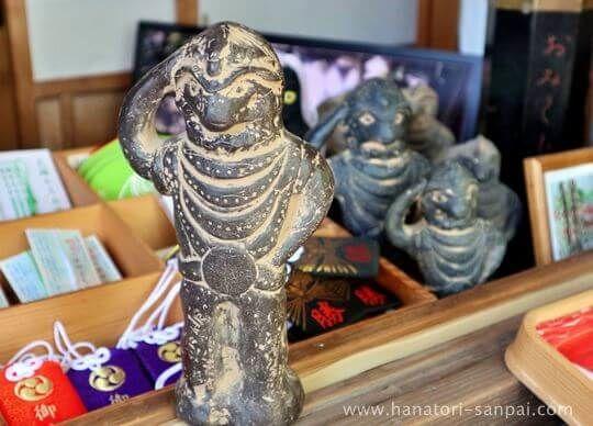 等彌神社のヤタガラス御神像レプリカ
