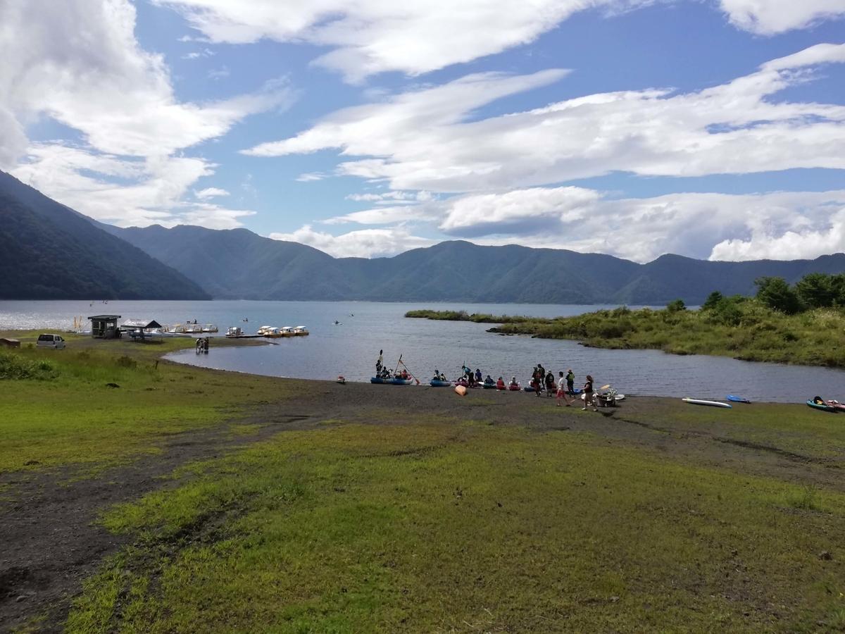 山梨県内でペットと遊ぶ:富士河口湖町 本栖湖周辺