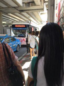 メガバンナー(IKEA)σ(^_^;)行きのバス
