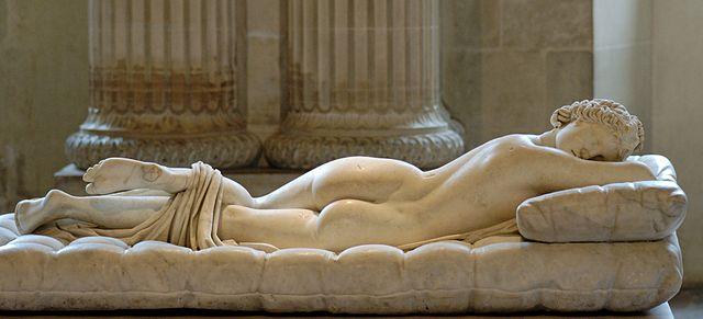 『眠れるヘルマプロディートス』 (『ボルケーゼのヘルマプロディートス』)   ルーヴル美術館