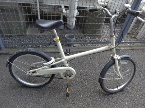 無印良品自転車のタイヤを交換する。
