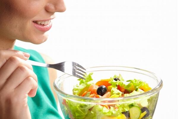 サラダで血糖値を安定させてダイエット